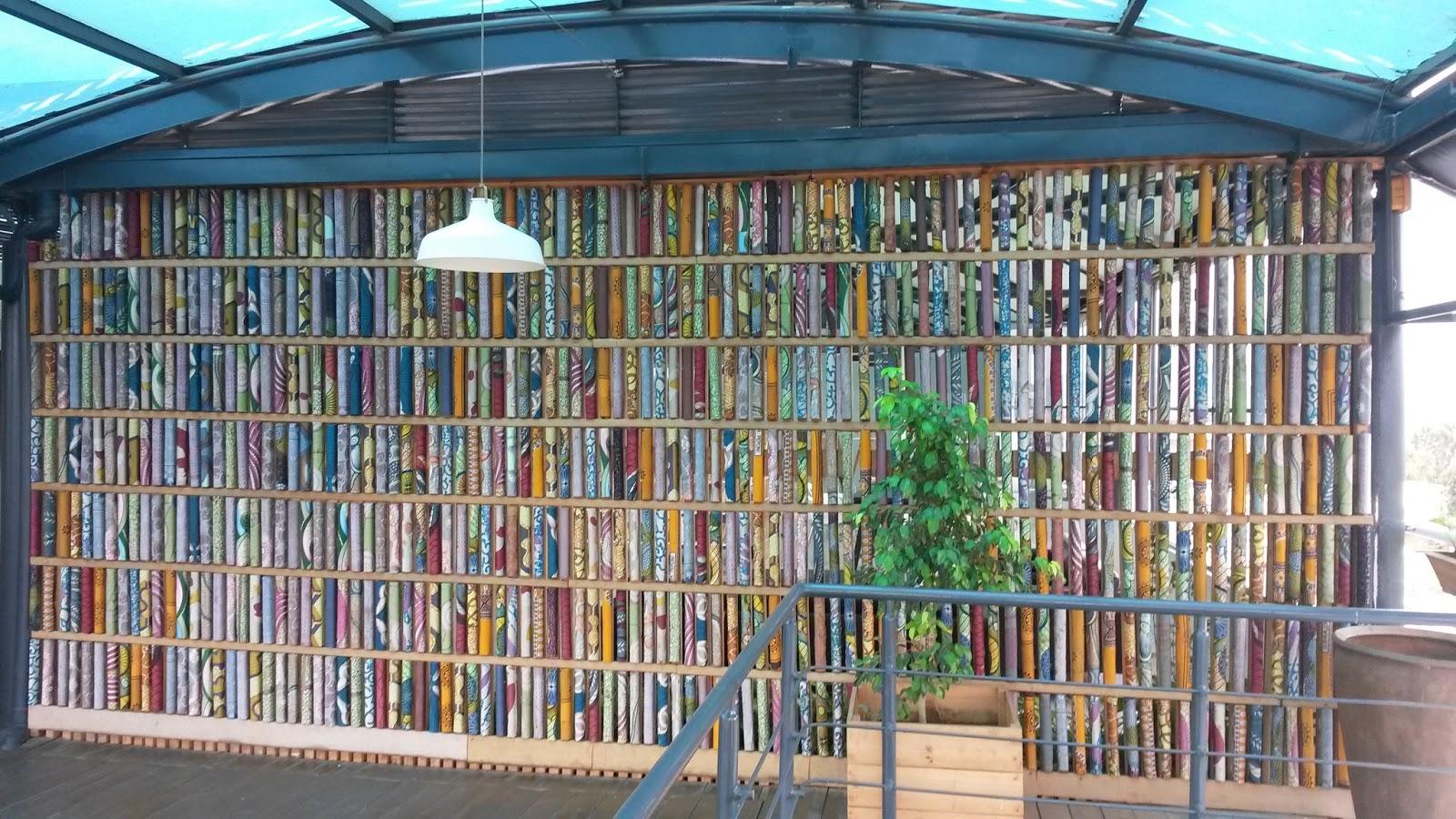 Over bergen en heuvels in rwanda foto blog wat is er in rwanda wel en in nederland niet - Muur bibliotheek ...