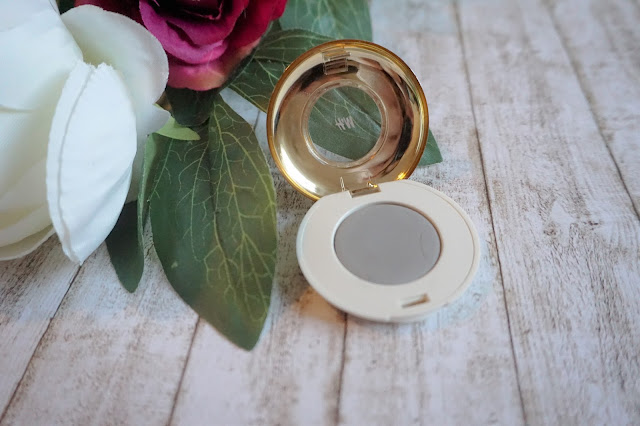 High Impact Eye Colour in Dove Affair