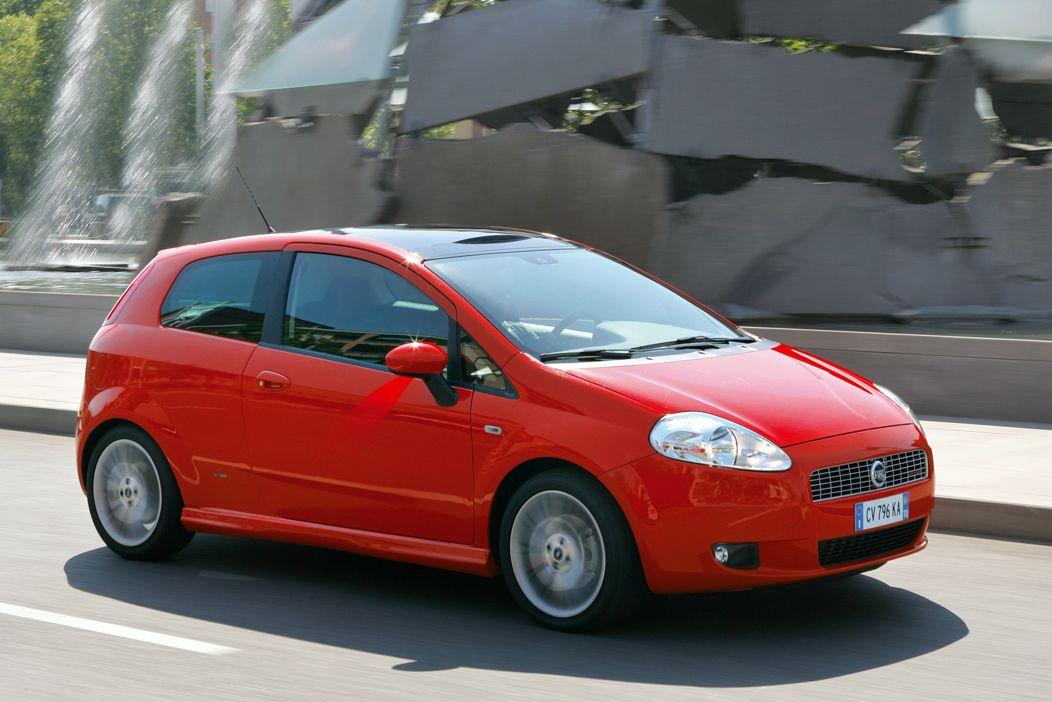 Prende forma la prima Nuova Lancia. Per la Fiat Punto? Ci vuole pazienza