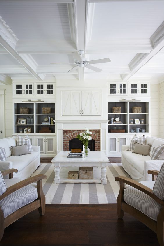 adorable-family-room-built-ins