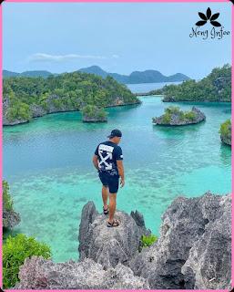 Khayangan Island in Sombori