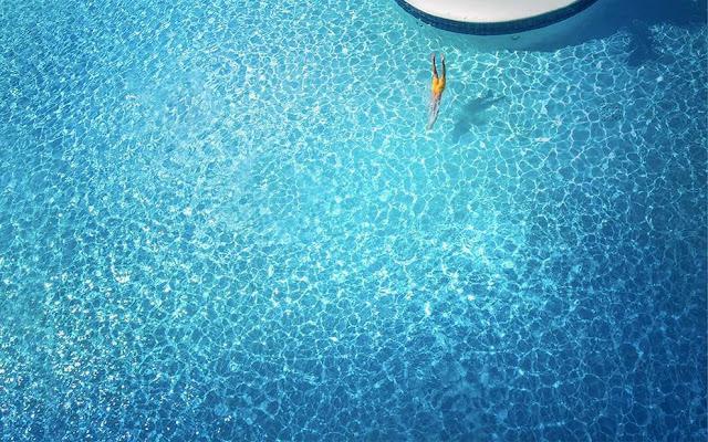 Всем нужно море: проект Франсуа Пейрана (ориг: All You Need Is Blue)