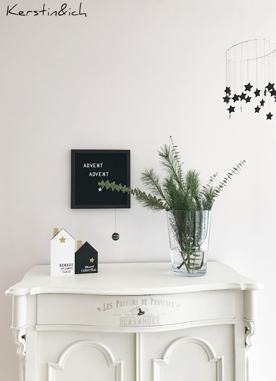 DIY Weihnachtsdeko Eukalyptus Sternenkranz Schwarz/Weiß Advent Letterboard