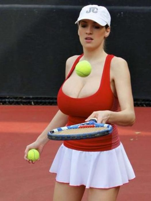 Jordan Carver Playing Tennis - Viral pictures of the day