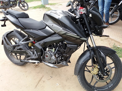 New 2017 Bajaj Pulsar NS160 Version pics