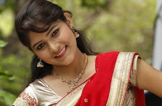 Telugu-actress-Haritha-hot-saree-photo