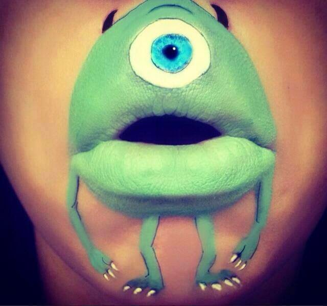 Personaje de Monster Inc pintado en la boca