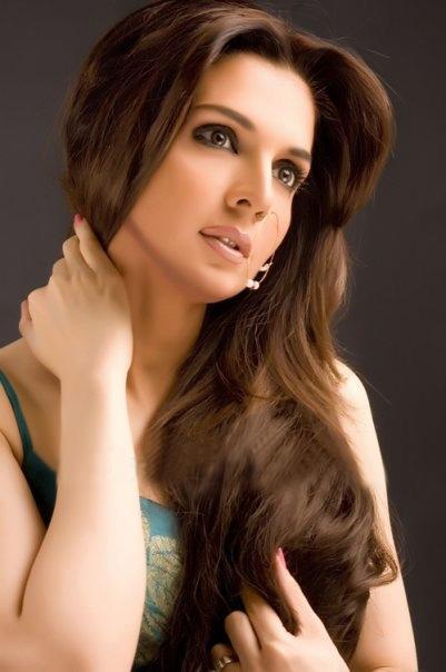 Pakistani Women Long Hair Style New Photos 2013 14 World