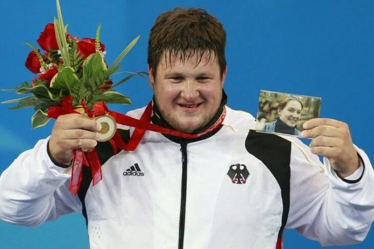 Matthias Steiner ganó medalla de oro en honor a su esposa