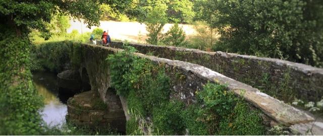 puente-piedra-Sarria-galicia-camino-de-santiago