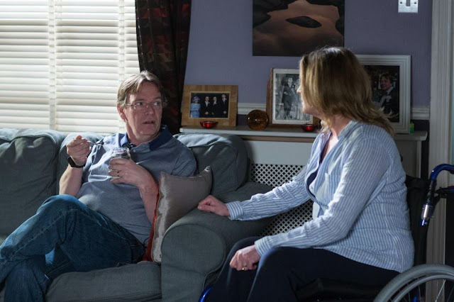 EastEnders Ian Beale Joins weightloss group