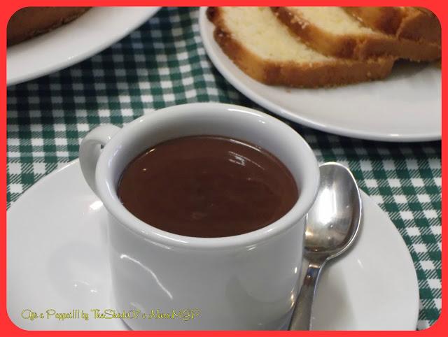Foto della ricetta della cioccolata calda in primo piano