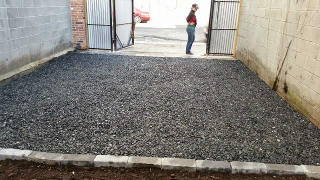 Custom Stoneworks Amp Design Inc Gravel Parking Pad In
