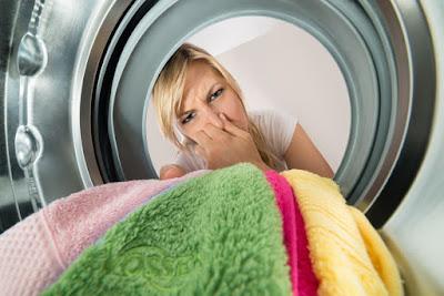 Harum nan Nyaman, Ini Cara Mengatasi Bau Apek pada Pakaian!