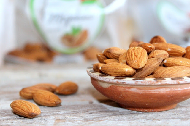 Beli Kacang Almond