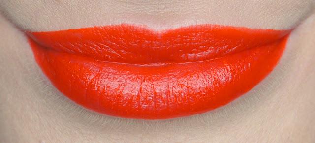 rimmel apocalips matte lip velvet 405 orange-ology swatch