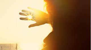 Sering Terkena Paparan Sinar Matahari? Waspadai 2 Faktor Penyebab dari Kanker Kulit