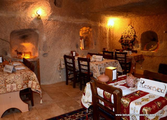 inside Topdeck Cave Restaurant