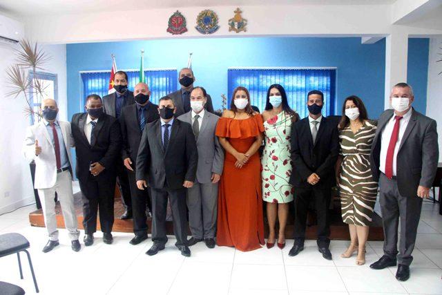 Geraldino Júnior , vice-prefeita Maristela e vereadores tomaram posse em sessão solene realizada no dia 01/01