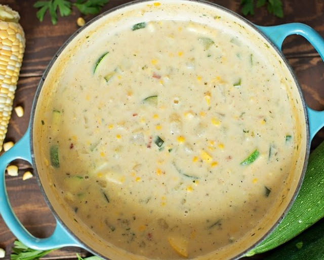 Summer Fresh Corn and Zucchini Chowder #dinner #soup