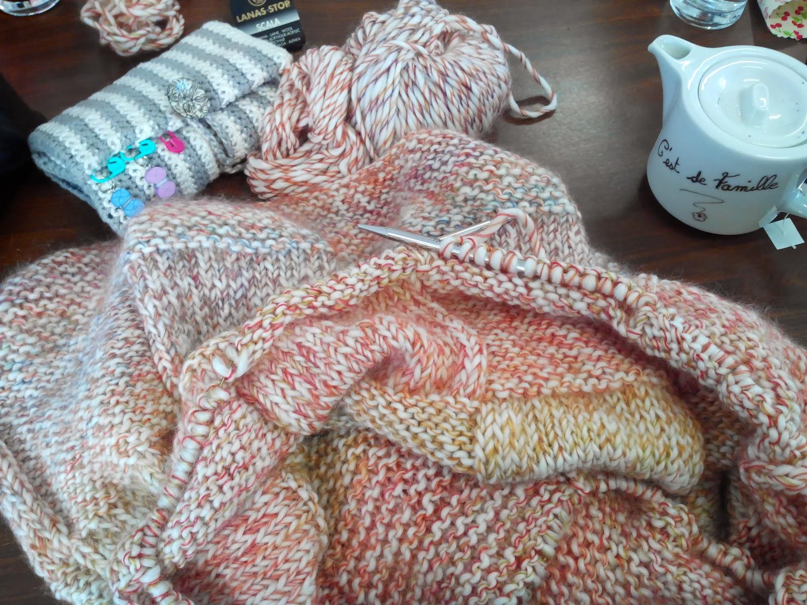 tricot fil d 39 o et les miralimcir le plaid hivernal. Black Bedroom Furniture Sets. Home Design Ideas
