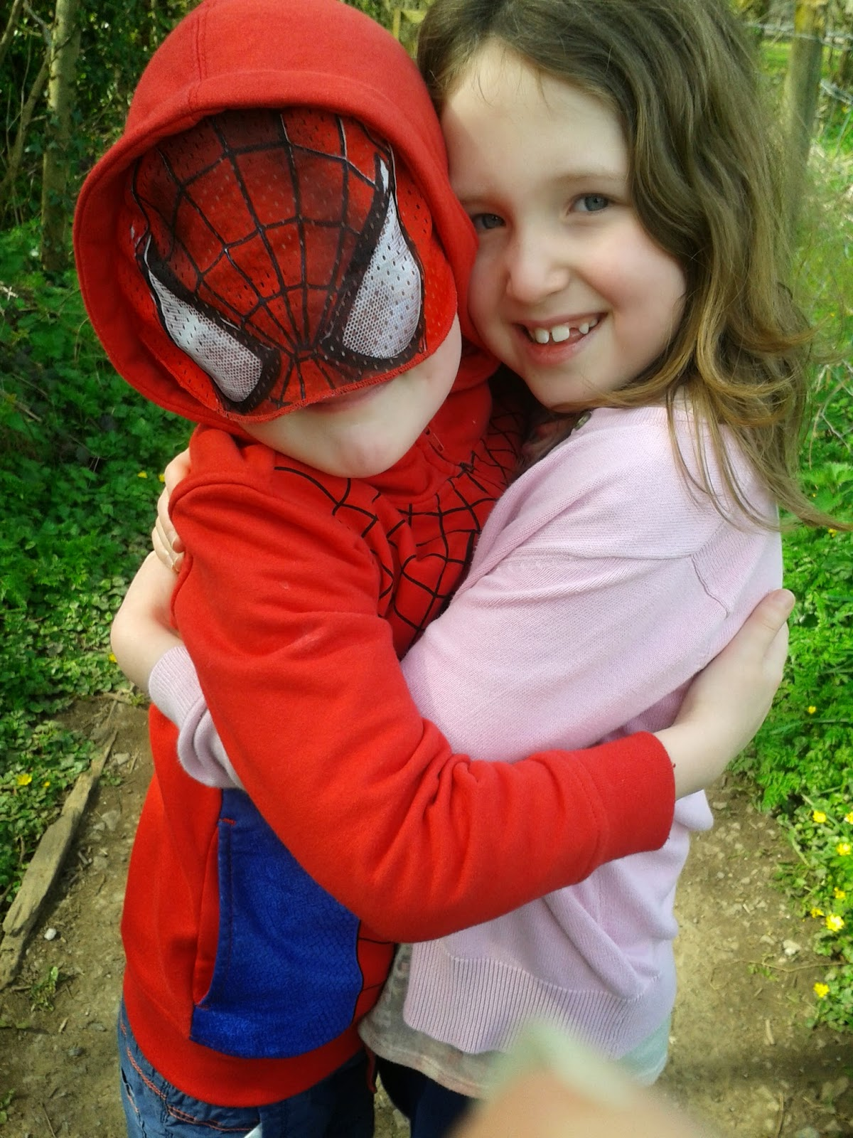 Parenting tips - Caitlin & Ieuan hugging each other at Dyffryn Gardens, Wales