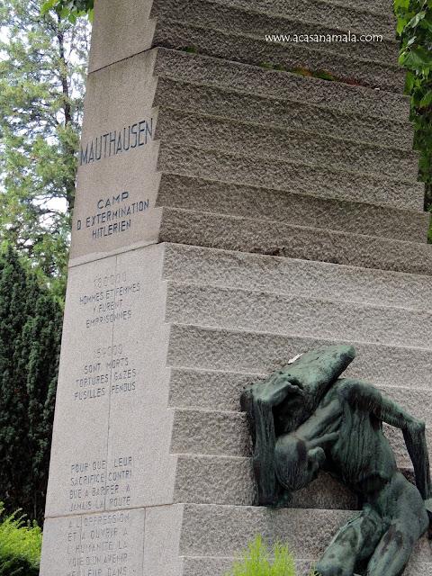 Às Vítimas do Campo de Concentração Mauthausen-Gusen