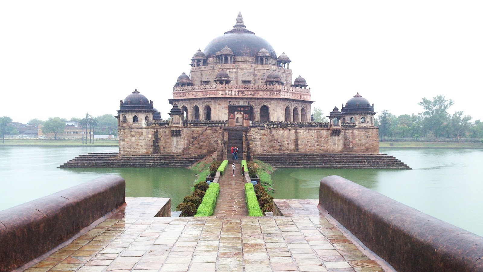 Tomb of Sher Shah Suri, Sasaram, Bihar  IMAGES, GIF, ANIMATED GIF, WALLPAPER, STICKER FOR WHATSAPP & FACEBOOK