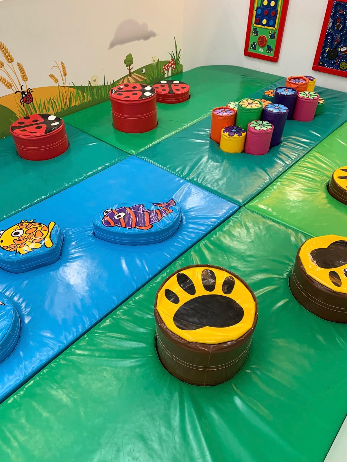 Shopping centre soft play area intu potteries