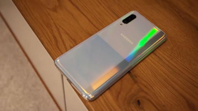 سعر و مواصفات Galaxy A90 5G - مراجعة سامسونج جالكسي اي 90 بالصور