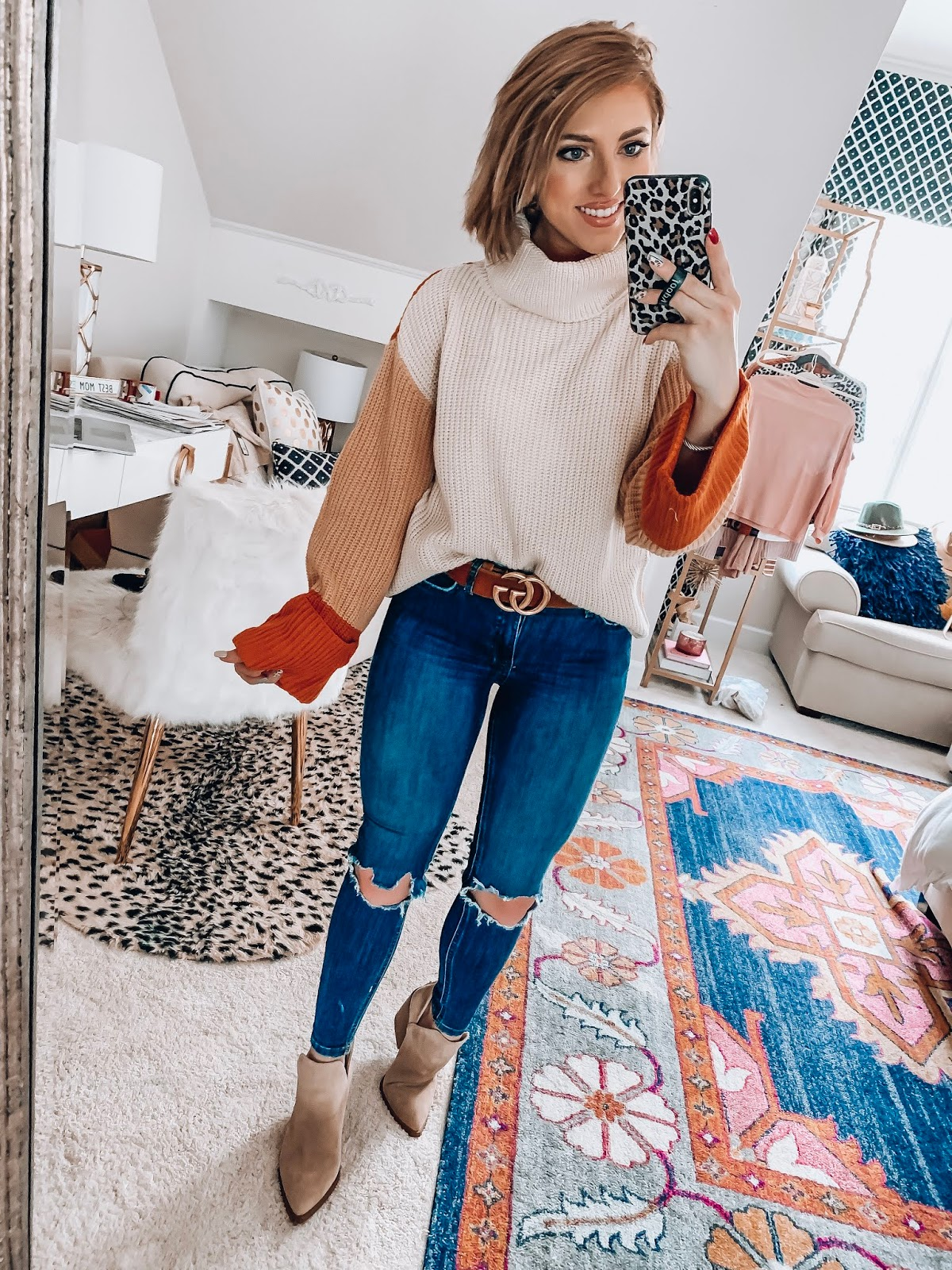 Recent Amazon Finds: $29 Color Block Sweater - Something Delightful Blog #fallstyle #affordablefashion #amazonfashion