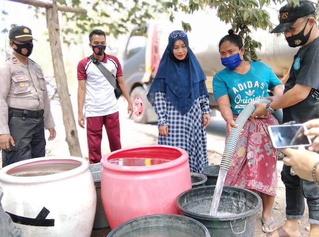 FWMO Lombok Timur bagikan 12 tangki air bersih