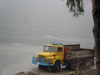 Truck loading stones in Tamabil