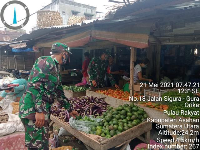 Pasca Lebaran, Personel Jajaran Kodim 0208/Asahan Cek Harga Sembako Di Pasar Tradisional