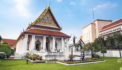 yakni ibukota Thailand yang akan membuatmu sibuk untuk menjelajahinya 10 TEMPAT WISATA TERBAIK DI BANGKOK