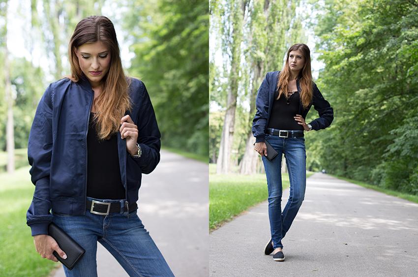 Bomberjacke Lace-Up Body und Jeans Halbportrait ganz