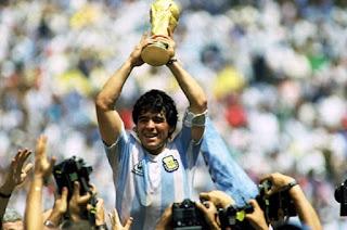 Futebol argentino de luto: Maradona morre aos 60 anos
