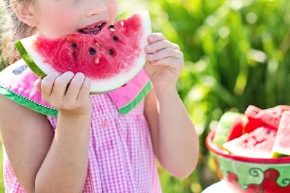 Menyimpan buah Semangka  Yang Sudah dipotong