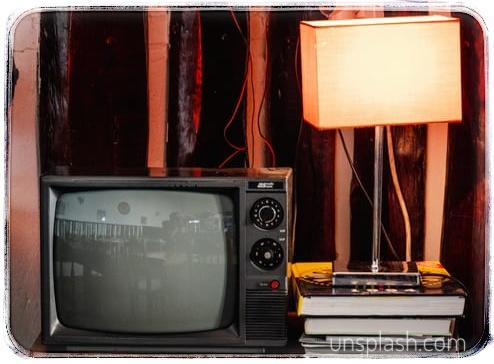 Stop TV Berlebihan! Atur Durasi Menonton Anak