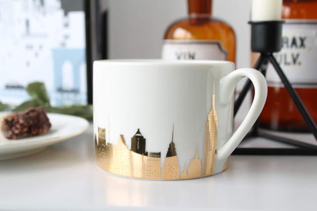 New York Motiv Pixers Ecke Wohnzimmer Geschirr Jules kleines Freudenhaus