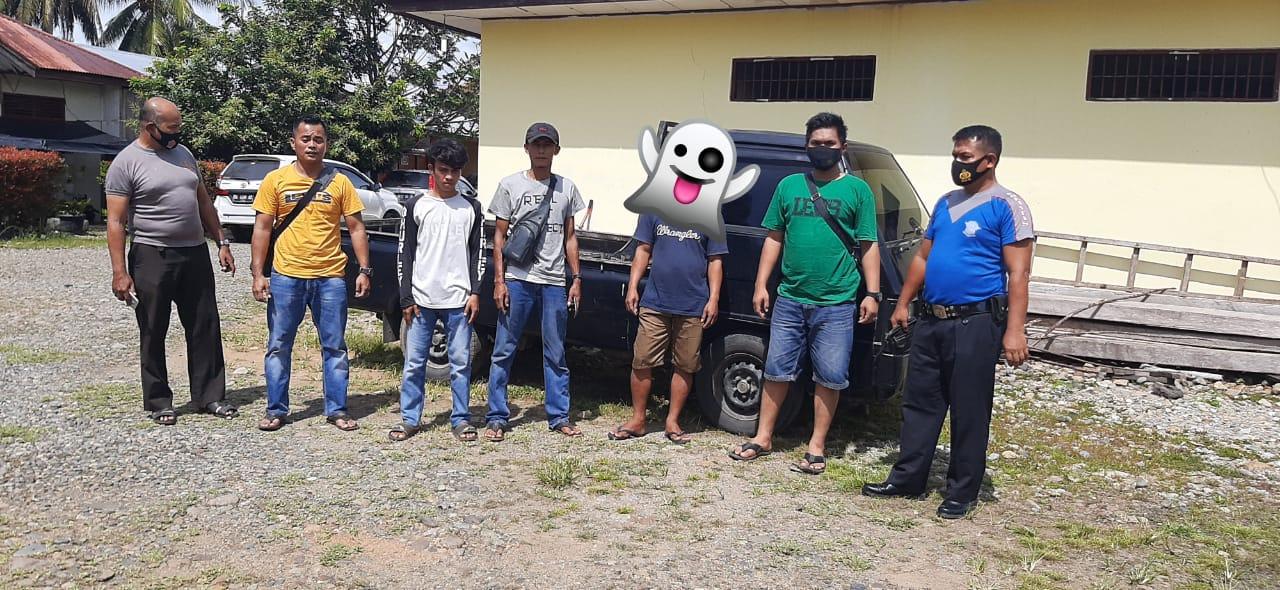 TB saat dibekuk Kapolsek Linggo Sari Baganti IPTU Hardi Yasmar, S.H beserta anggota pada Jumat, (8/1/2021) di Linggo Sari Baganti.