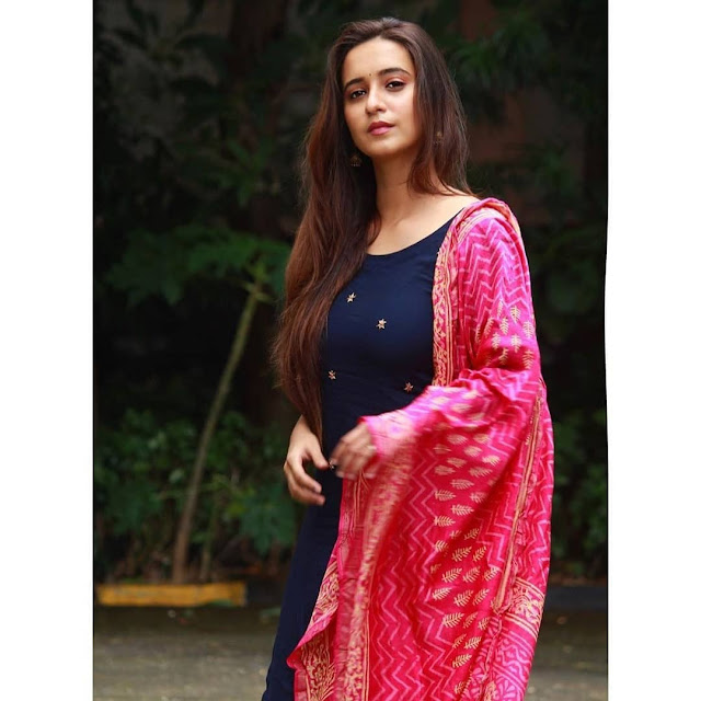 Shivani Survey  (Actress) Wiki,Bio,Age, Education, Awards, Family and Many More
