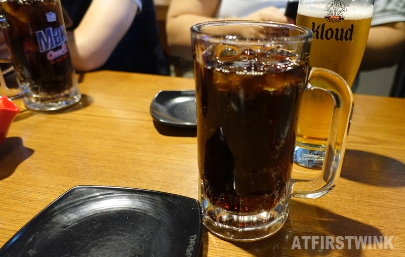 bhc fried chicken drinks coca cola beer jugs kloud beer jongno seoul Korea