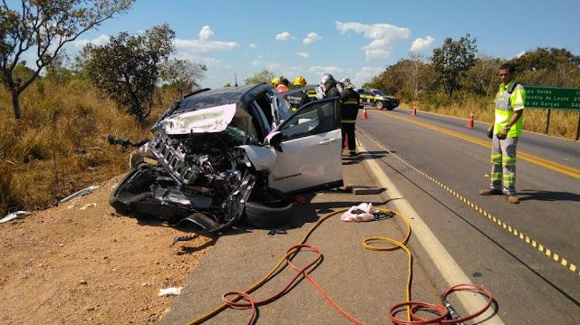 Acidente brutal na BR 364 deixa 4 vítimas fatais no local da colisão