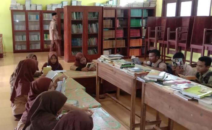 TBM RUMAN Aceh Dukung Modernisasi Pustaka SMKN 1 Singkil Utara