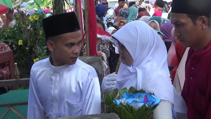 Puluhan Pasangan Sudah Menikah (muntan) Diarak Keliling Kampung