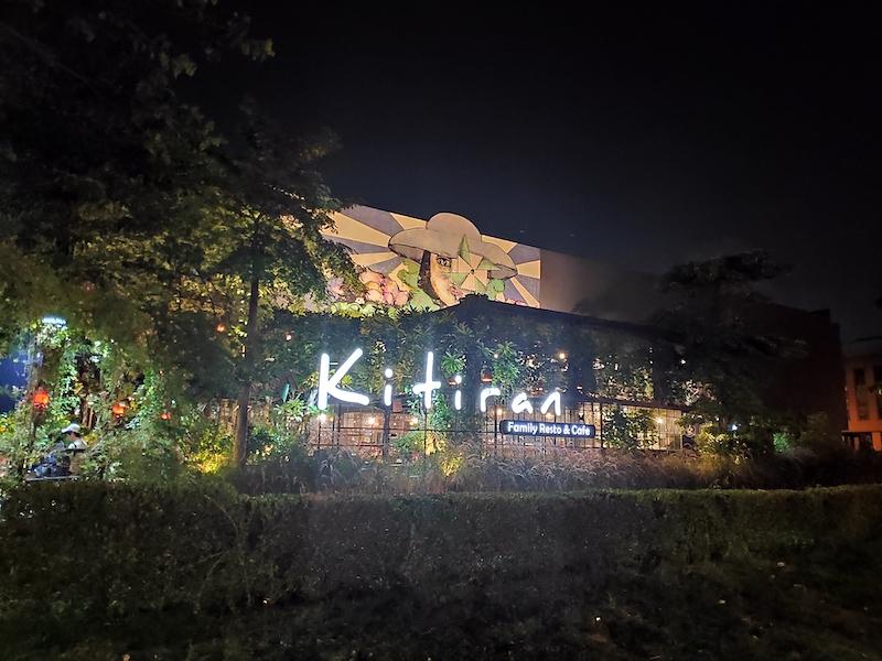 Kitiran Cafe & Resto, Tempat Nongkrong Asik Bersama Keluarga