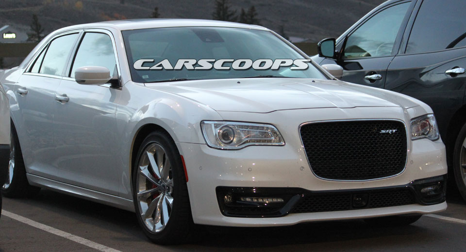 chrysler 300 srt spotted stateside raises questions eyebrows. Black Bedroom Furniture Sets. Home Design Ideas