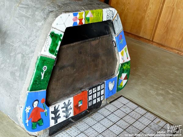 Nancy - Maison particulière de Jean Prouvé  Architecte Jean Prouvé  Mobilier:  Ateliers Jean Prouvé, Charlotte Perriand.  Projet / Construction: 1952 - 1954