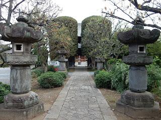 常楽寺石灯籠